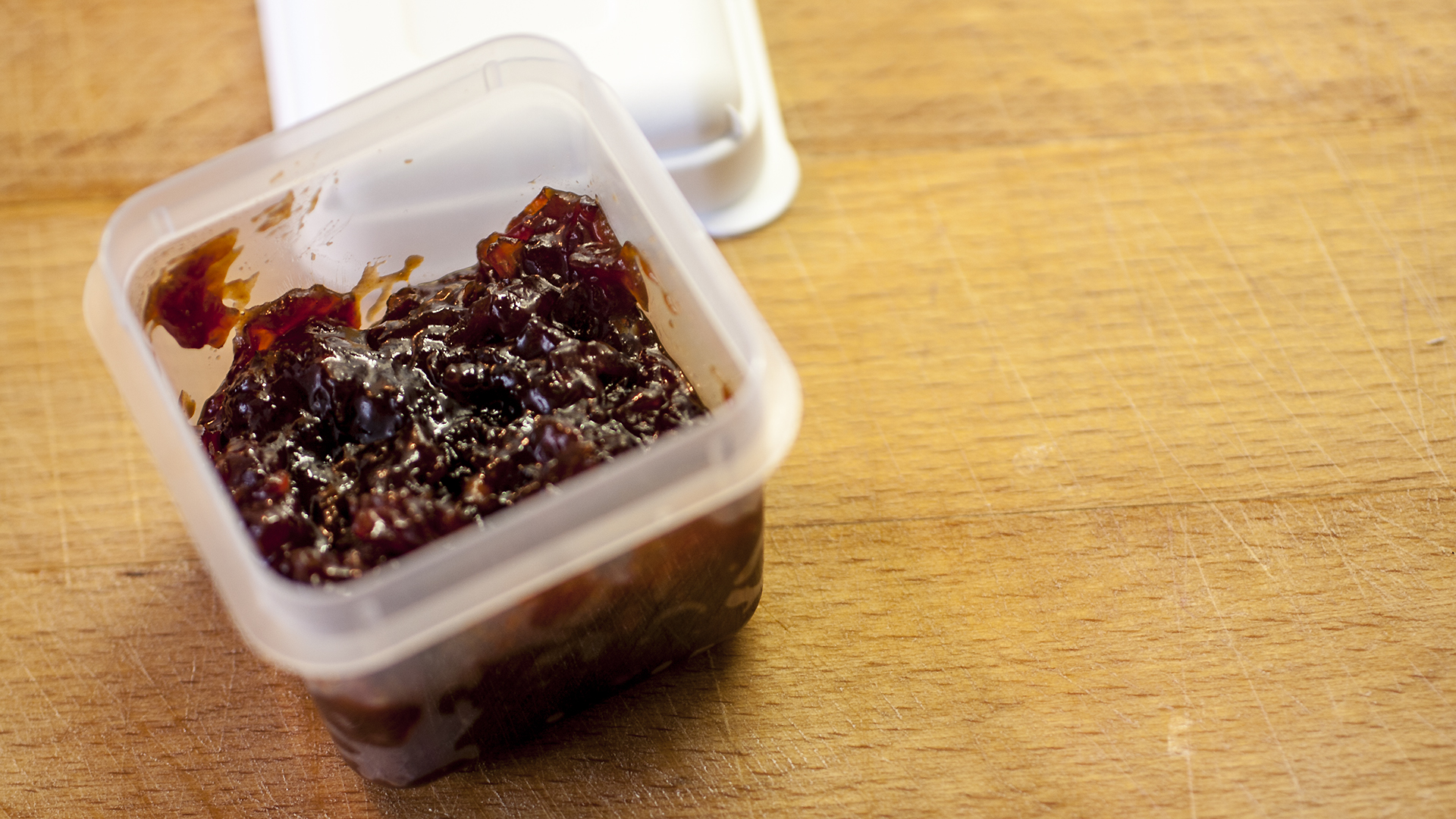Use a small container to take the relish with you