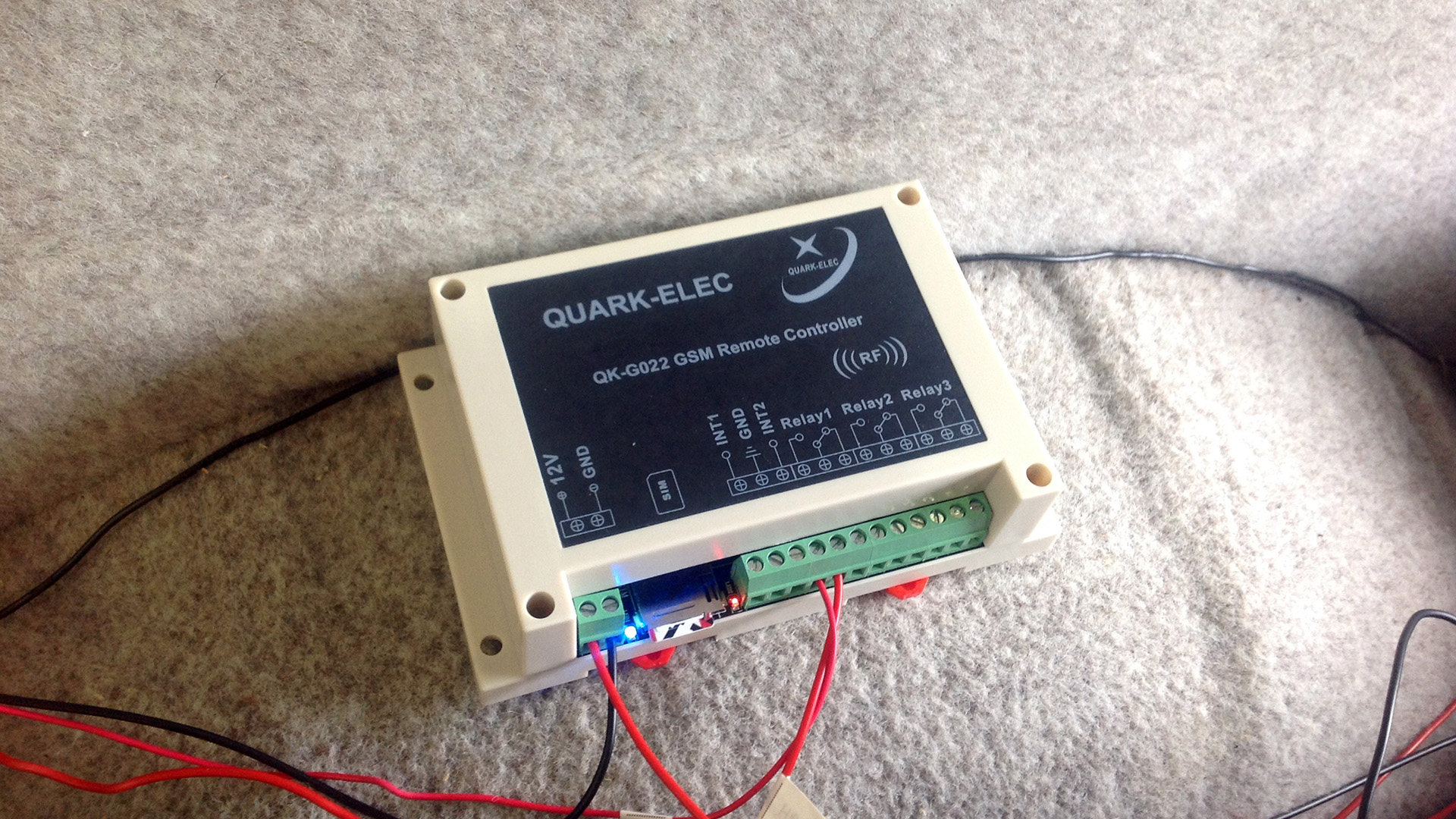The Quark-elec QK-G022 GSM Remote Controller